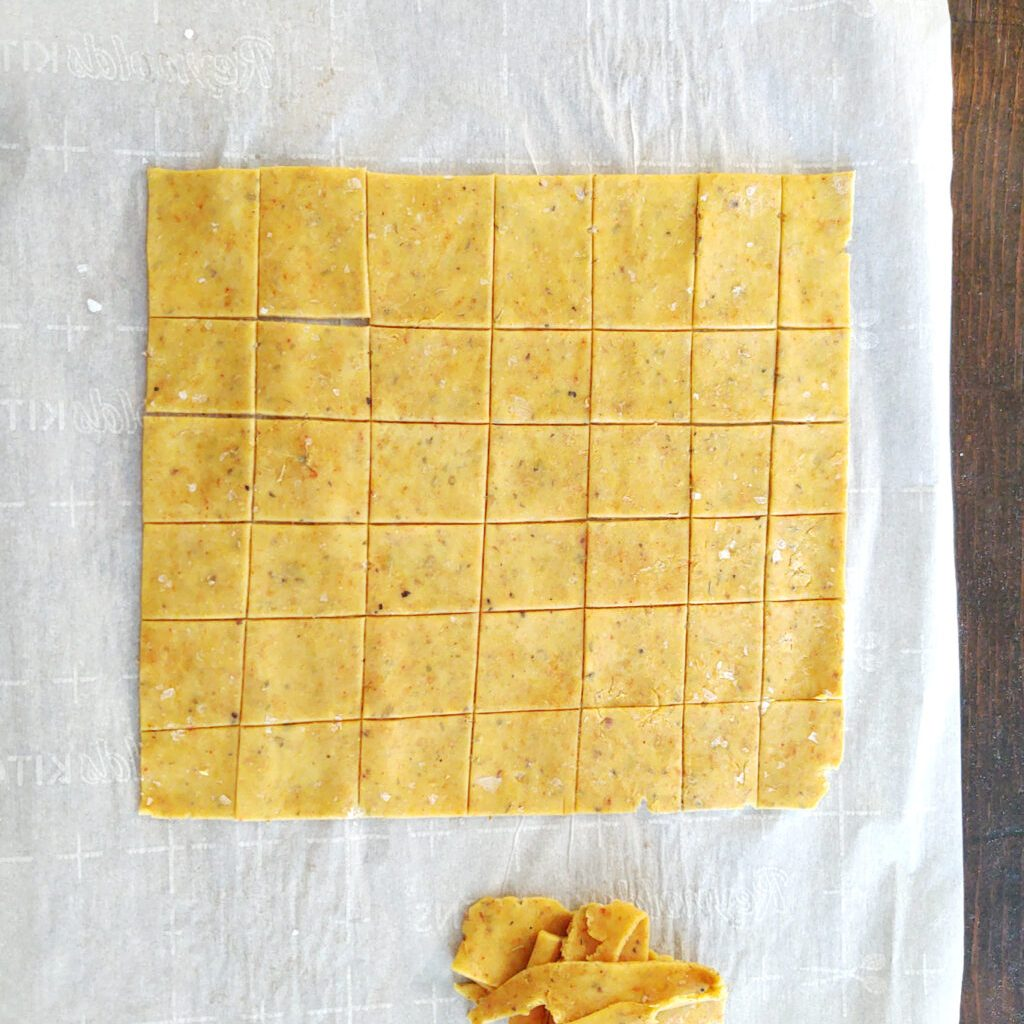 Cutting crackers out