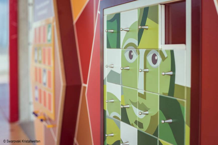 Spielwand Swarovski Kristallwelten,Erlebniswelten, Kindererlebniswelten, Markenerlebniswelten, Spielturm, Wattens, Schiebepuzzle, Riese, Agentur Ravensburger