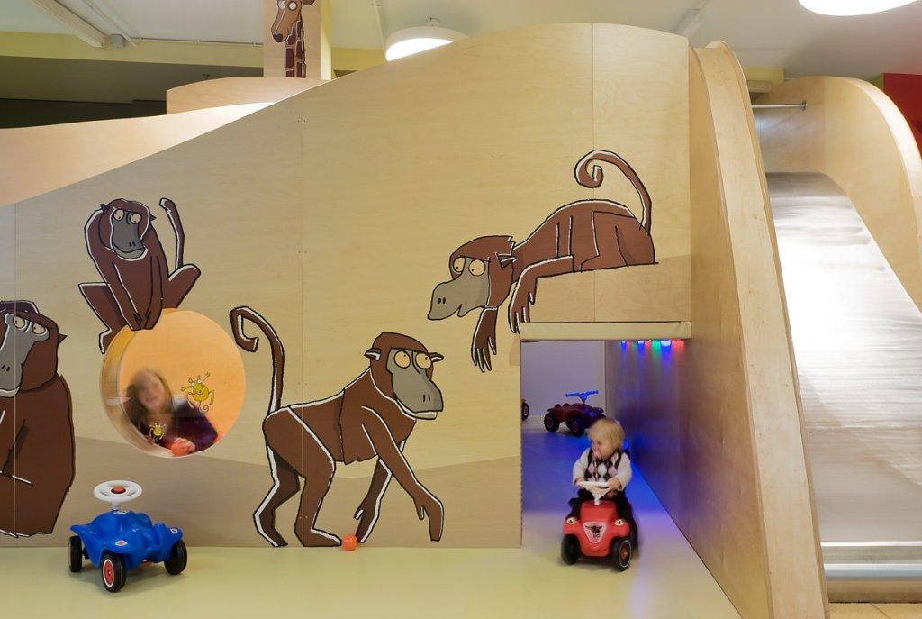 Westside Kinderland, Shopping Center, Bern, Erlebniswelten, Kindererlebniswelten, Markenerlebniswelten, Kinderspielbereiche, Spielecke für Handel und Shoppingcenter, Schließfächer, Agentur Ravensburger