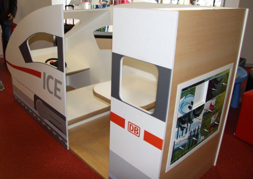 Kinderspielbereiche & Spielecke für Handel und Shoppingcenter - Spielecke im Wartebereich -  DB Lounge München