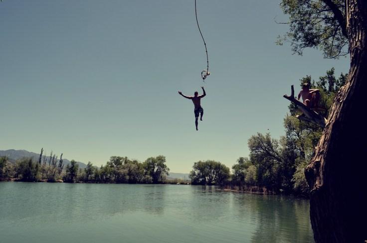 jump-1209647_1280.jpg