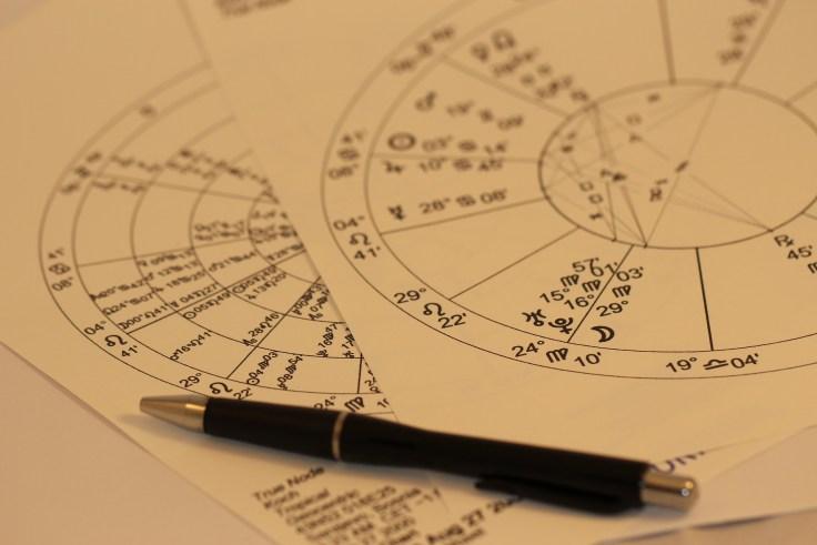 horoscope-993144_1920