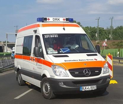 krankenwagen muss kommen.jpg