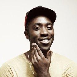 酷音乐:用电音击破柜子 凯尔 欧瑞克 (Kele Okereke)