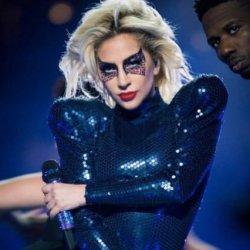 酷影音:女神卡卡登超級盃中場秀 好萊塢到政界秒變粉絲