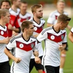 """酷新闻:德国前足球裁判""""每队至少有三名同志球员"""""""