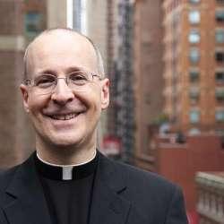 酷新聞:梵諦岡公關神父語出驚人「許多聖人也是同性戀」