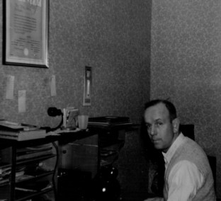Heinz Agethen im Büro