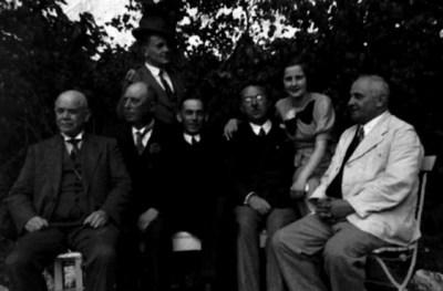 Uralt-Familie im Garten