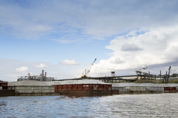 Moving Grain: River, Rail Traffic Both Facing Challenges – AgFax