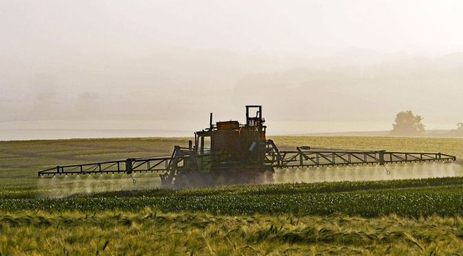 Report: Cutting Pesticides Won't Damage Profits for 77% of French Farms