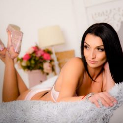 RUSSIAN ESCORT GOLDEN DIAMOND JANE 1