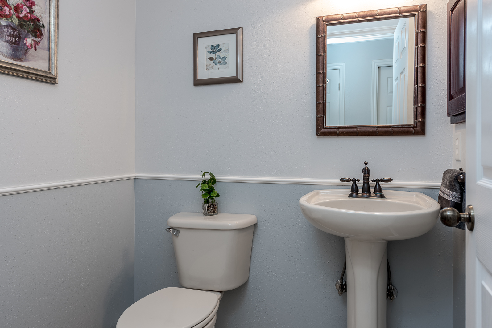 Skybreak – Fincastle -Hall Bathroom