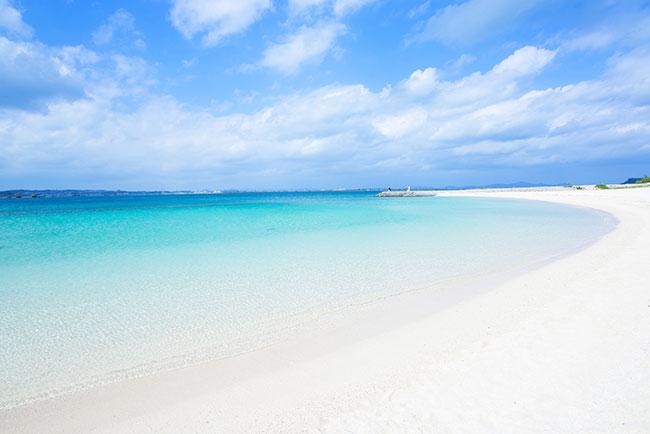 沖縄の白い砂浜!