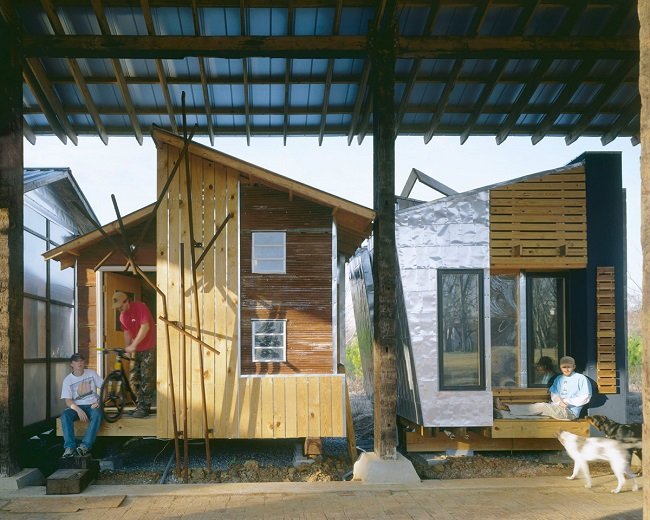 Pods - 1999 : The pods are the student's accomodation for their time with the Rural Studio. Because they are on Rural Studio property, the pods provide a testing ground for experimental materials.