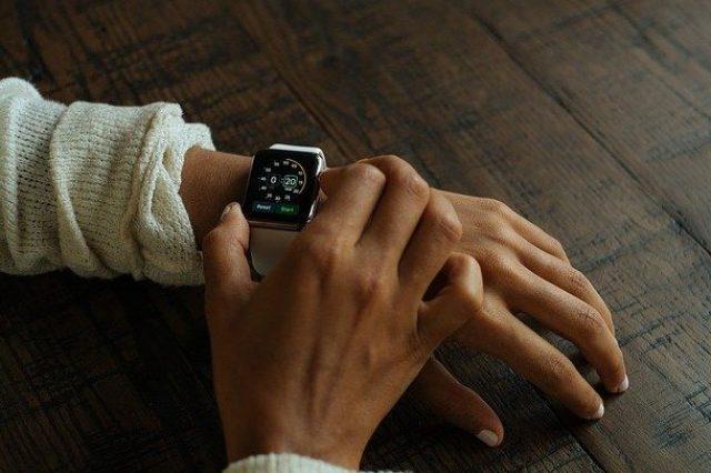 smart-watch-821558_640