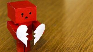 錯的愛,不會因為堅持就變成對的!
