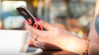 小三小王都藏在手機裡,你可能不知道的偷情者5大秘密!