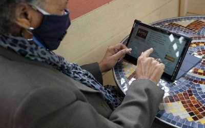 Associated Press – Never too late: Pandemic propels older shoppers online