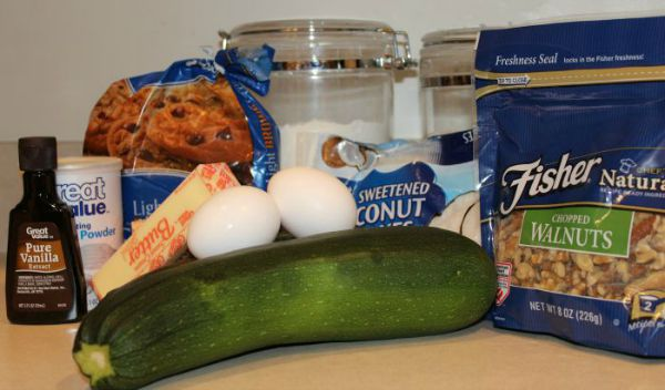Ingredients for zucchini bars.