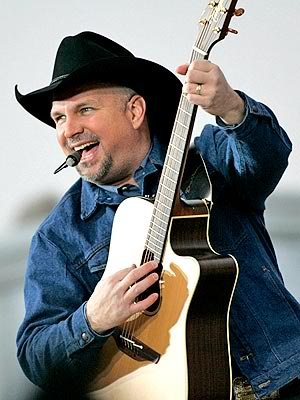 Garth Brooks just having fun!