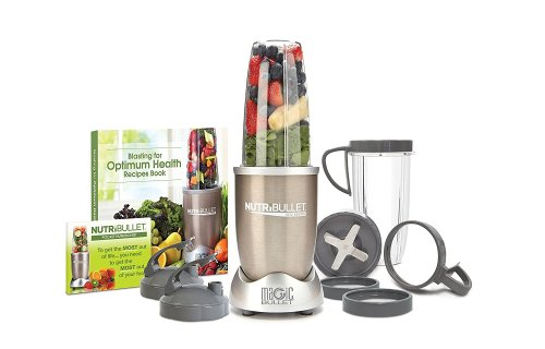 This nutri bullet gets used almost daily in my kitchen and why it's on my holiday gift guide.