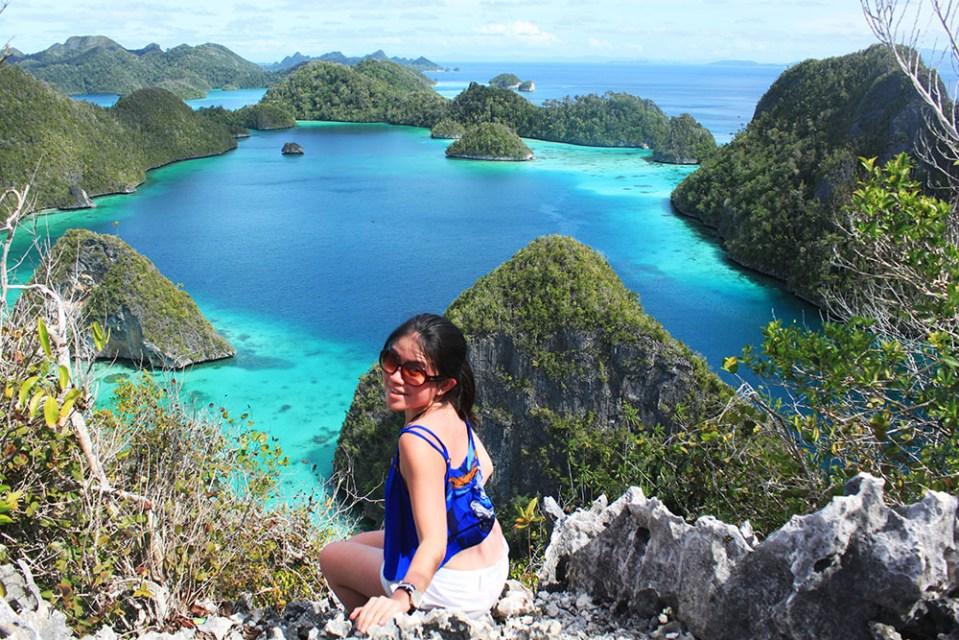 girl in wayag island raja ampat digital detox trip in the nature