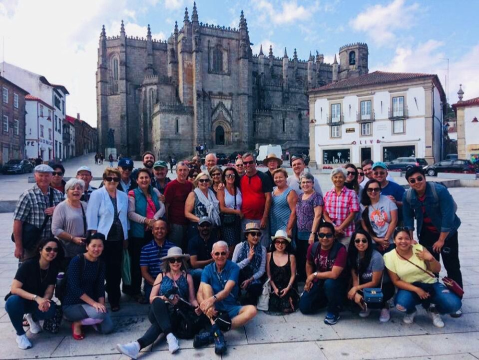 joining tours group photo in spain