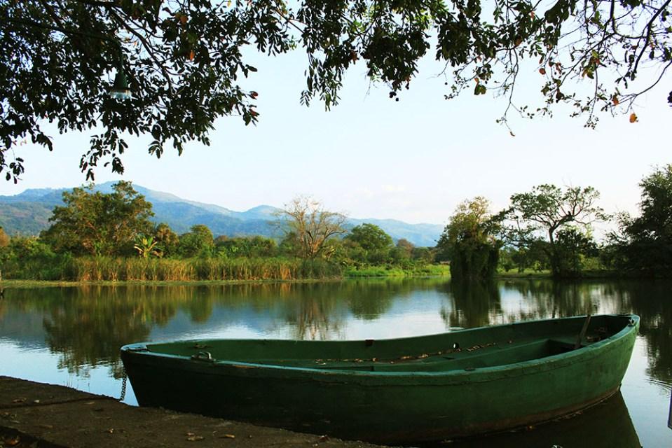 m.p.s. village sri lanka natural budget hotel with lake and boat