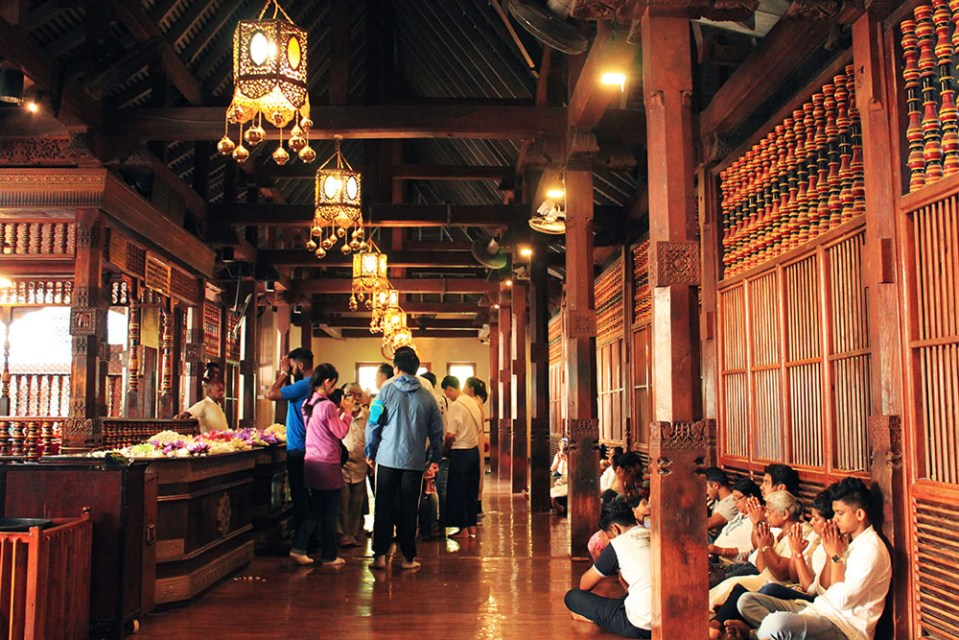 sri lanka temple of the sacred tooth relic lonely planet