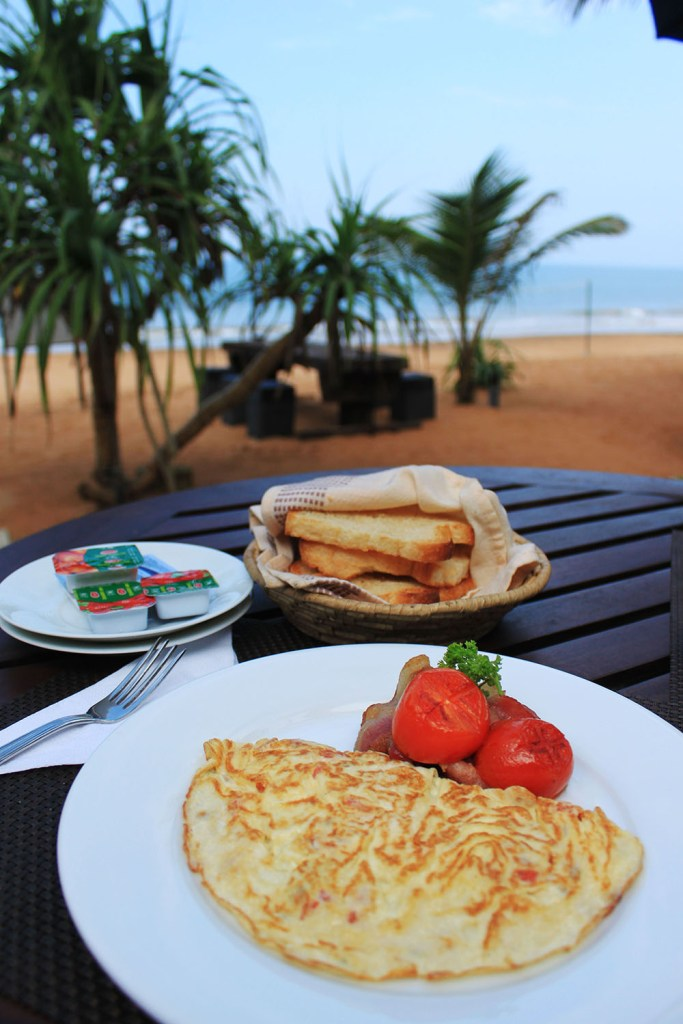 begpackers don't enjoy warm breakfast while traveling
