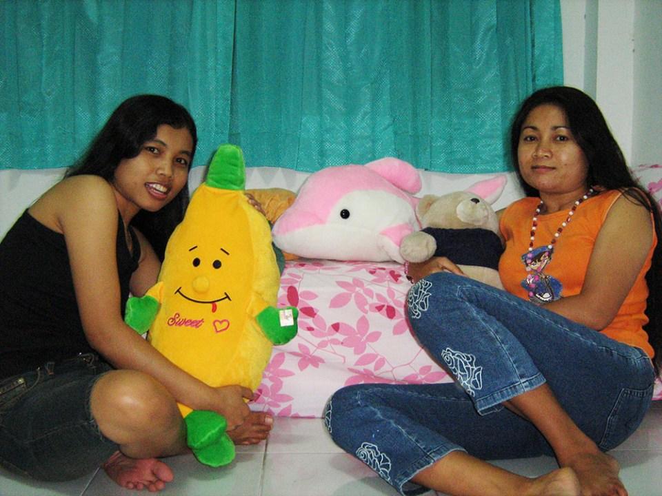 two javanese women long hair with cute dolls wanita jawa pose rambut panjang dengan boneka imut agirlnamedclara
