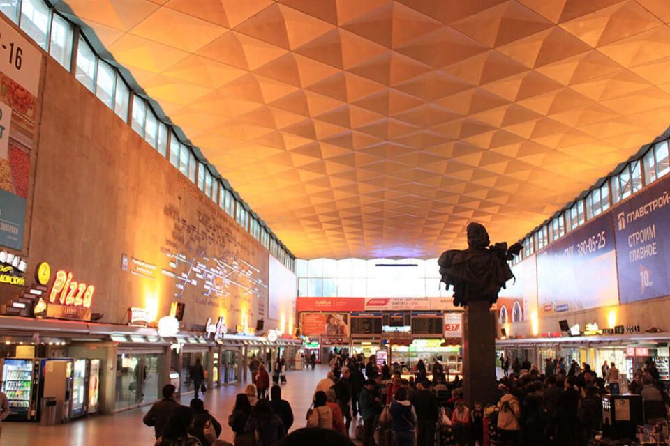moskovsky railway station st petersburg interior with people beautiful ceiling agirlnamedclara