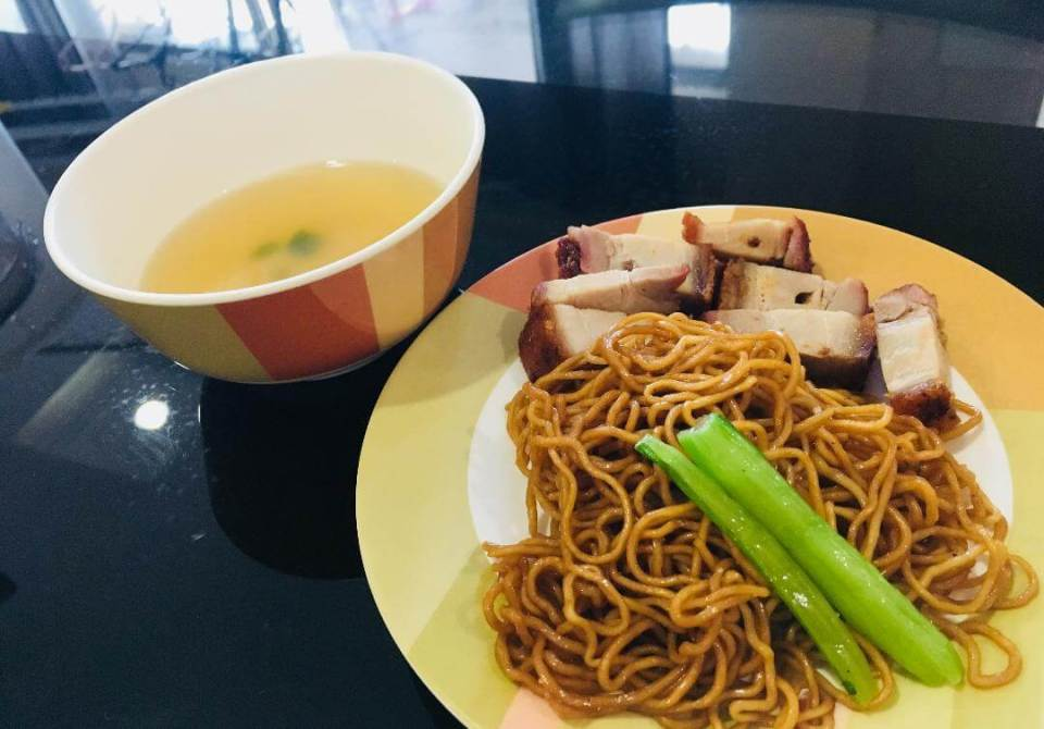 small plate meal wantan mee with char siu_agirlnamedclara