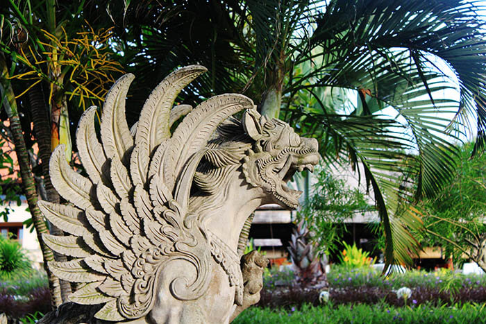 bali stone sculpture lush garden ayana resort and spa bali_agirlnamedclara