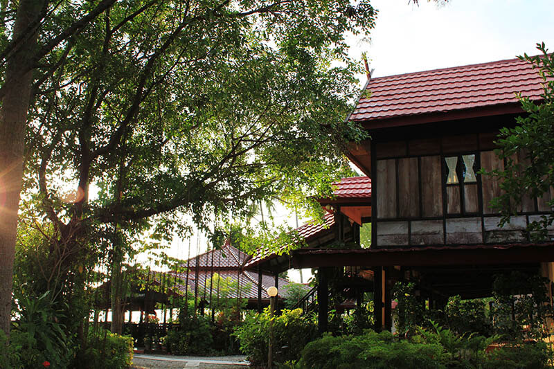 beautiful restaurant homestay makassar south sulawesi indonesia_agirlnamedclara