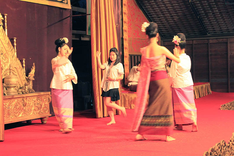 female tourist dance with thai dancers khantoke dinner_agirlnamedclara