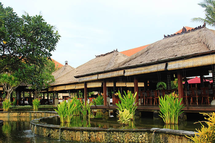 lush terrace style bali restaurant ayana resort and spa_agirlnamedclara