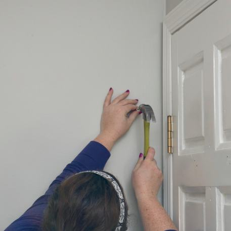 installing drywall anchor