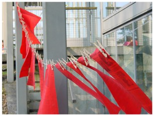 DAILY / installation/ red flags / 2003