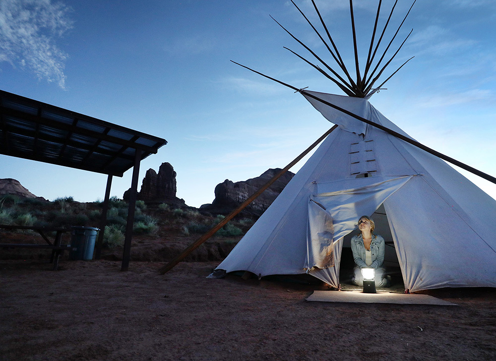 Teepee glamping in Monument Valley