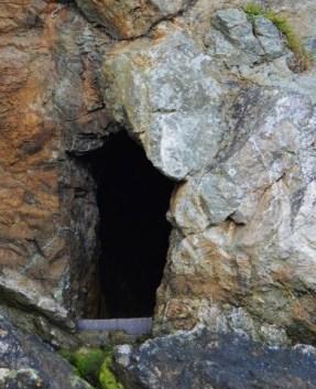 cave3 (391x482)