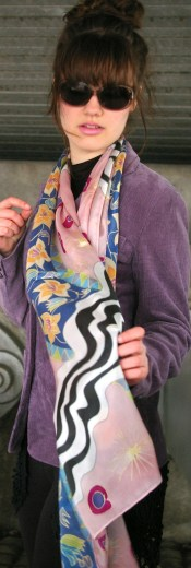Agnes-Ashe-hand-painted-silk-scarf-La-Donna-pink-model-x