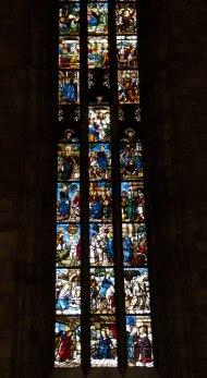 Soaring-stained-glass-windows-3
