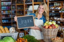 organic-sign-board-in-organic-section-of-super-market