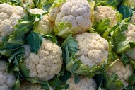 cauliflower-cabbage-texture-pattern-stacked-in-a-row-at-market