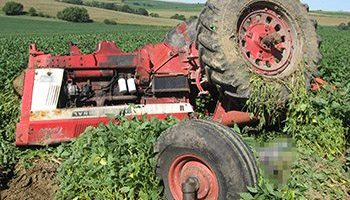 Preventing collisions with farm equipment part 1 agri view dangerous jobs sciox Image collections