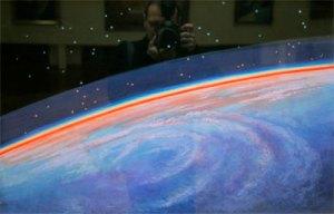 Краски могут передать космические цвета только процентов на 70. Фото: с сайта www.corpoby.com