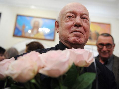 Борис Мессерер на открытии выставки