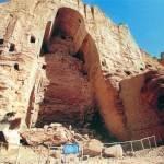 Разрушенная талибами Бамианская статуя Будды. 2001 г.